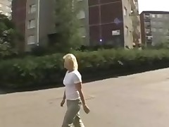 Pretty gal gets fucked doggystyle after giving a head