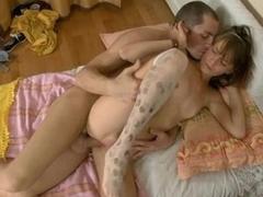 Boyfrend fondles his pretty gal girlfriend in a bath.